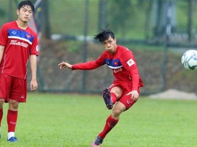 U23 Việt Nam: Mưa rét, HLV Park Hang Seo lôi Công Phượng ra tập