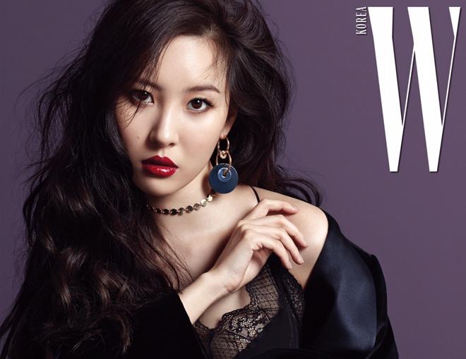 """4 người đẹp xứng danh """"nữ vương sexy"""" cụm từ bỏ K-Pop 2017 - 4"""