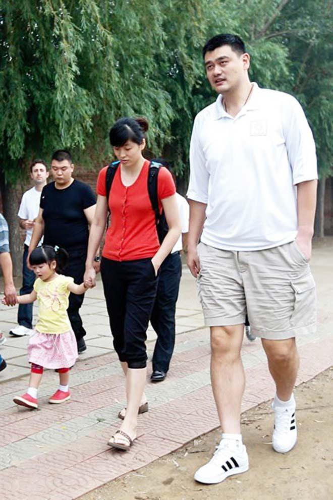 Gái rượu siêu sao Trung Quốc 2m29, 7 tuổi cao như người mẫu - 3