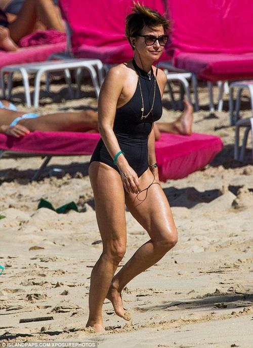 Nhờ kiêng thứ nào, bầm U60 kệ bikini chẳng thua gì con gái 20 - 9