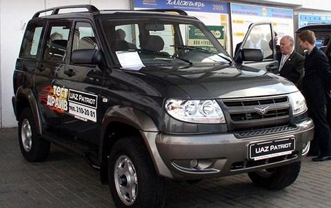 Hơn 2.500 ô tô Nga nhập hếtng miễn thuế khoá dò hỏi thị trường Việt - 1