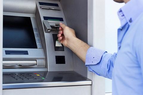 Điều chỉnh thì kì giả lương bổng thưởng Tết đặt giảm chuyển vận ATM - 1