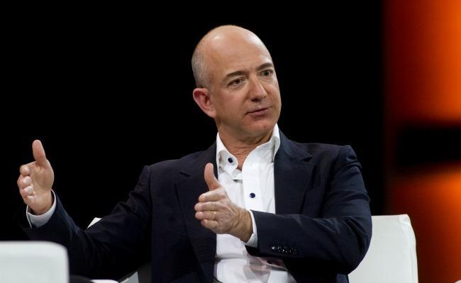 Lý do nào khiến người giàu sụ như Bill Gates, Jeff Bezos cặm cụi rửa bát mỗi tối? - 1