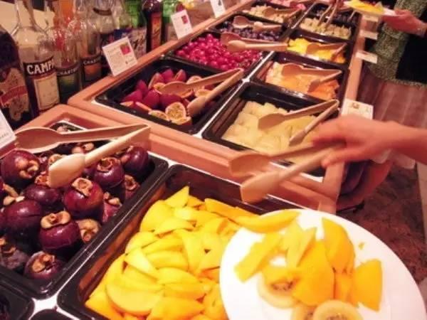 Chỉ giới nhà giàu mới tới cửa hàng này để mua hoa quả với mức giá trên trời - 9