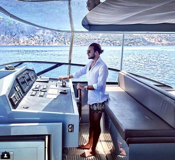 Cuộc sống hào nhoáng khó ai bì kịp của soái ca bất động sản Thổ Nhĩ Kỳ - 7