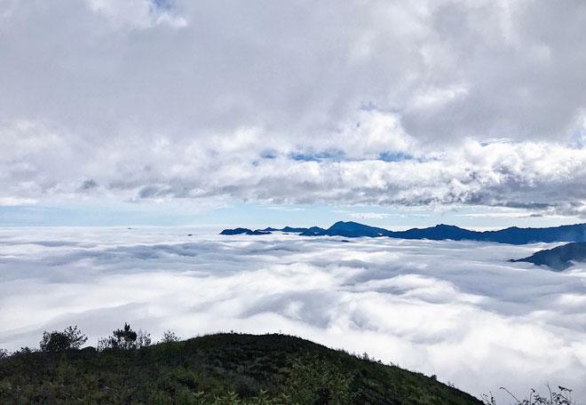 """Lặng người trước biển mây hùng vĩ trên """"sống lưng khủng long"""" Tà Xùa - 3"""