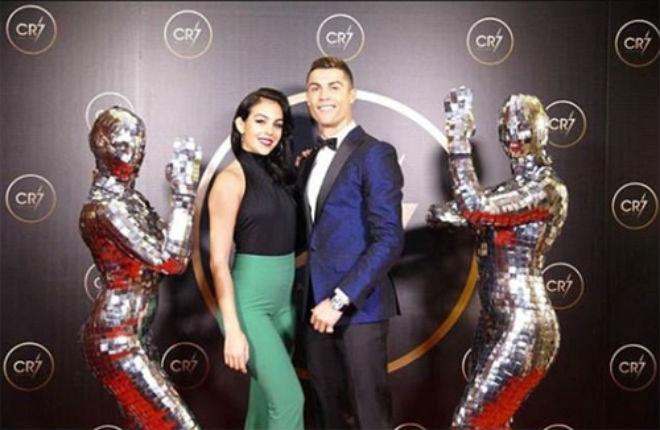 """Ronaldo lại cai trị áp giải thưởng, Zidane """"thơm lây"""" đã dễ bị Real thải hồi - 6"""