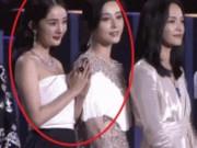 Những khoảnh khắc làm  dậy sóng  mạng xã hội của sao Hoa ngữ năm 2017