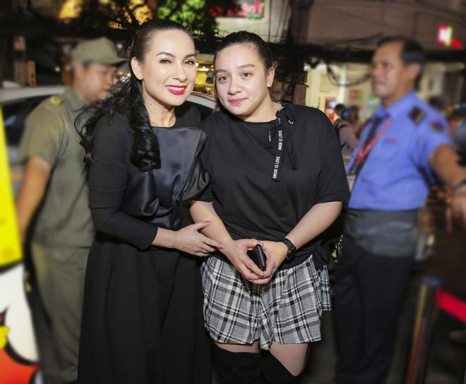 Bị con gái ruột hích giục lấy chất, Phi Nhung phản ứng bất thần - 2