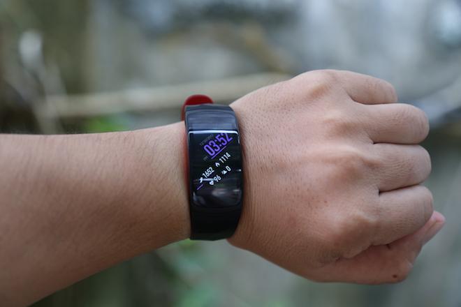 """Cận cảnh vòng đeo tay thông minh Gear Fit2 Pro trước ngày """"lên kệ"""" - 8"""