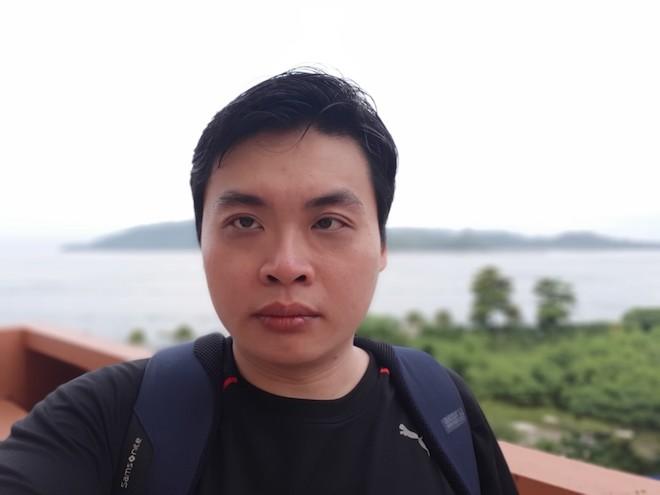 Samsung Galaxy A8: Điện thoại có camera selfie cặp xóa nền mờ mịt - 8