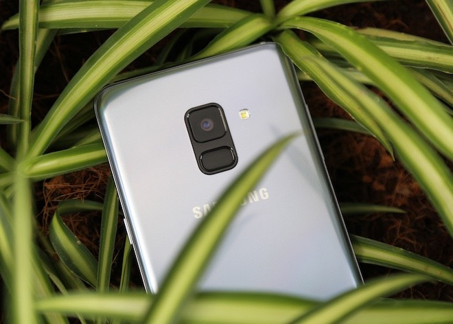 Samsung Galaxy A8: Điện thoại có camera selfie cặp xóa nền mờ mịt - 4