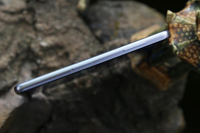 Samsung Galaxy A8: Điện thoại có camera selfie cặp xóa nền mờ mịt - 13