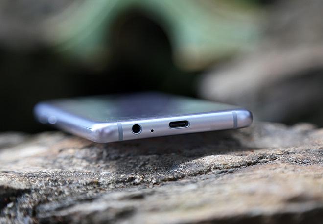 Samsung Galaxy A8: Điện thoại có camera selfie cặp xóa nền mờ mịt - 15