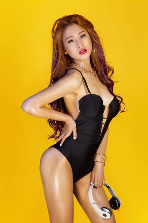 DJ nhởi lạc đêm giao dư: Trang Moon bay cỗ đi diễn, Oxy bị khán giả tảng chắn đàng - 2