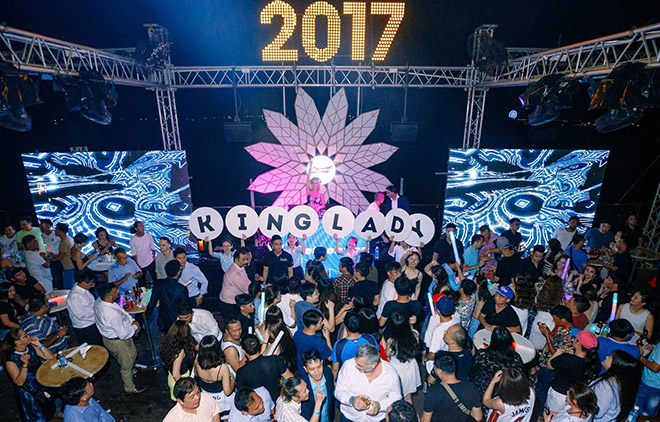 DJ nhởi lạc đêm giao dư: Trang Moon bay cỗ đi diễn, Oxy bị khán giả tảng chắn đàng - 6