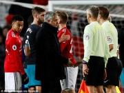 """Thuyết âm mưu: MU bị Chelsea soán ngôi vì trọng tài """"ám hại"""" Mourinho"""