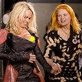 Pamela Anderson: Lộ một chút thôi!