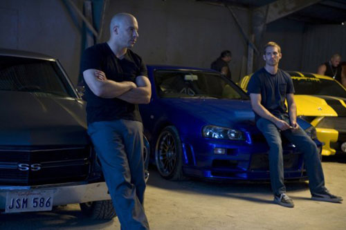 Trailer phim: Fast & Furious (Quá nhanh, quá nguy hiểm) - 1