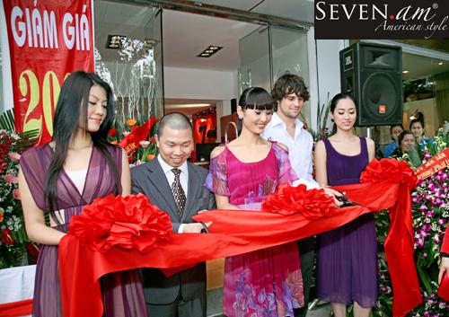 7.AM chính thức có mặt tại Việt Nam - 1
