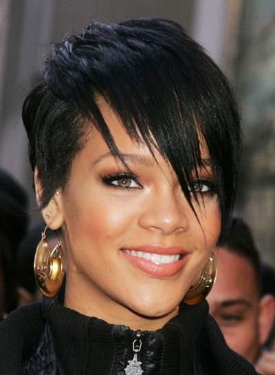 Thời trang tóc ngắn với ngôi sao Rihanna - 2