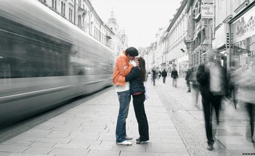 Tranh vui: Khi hôn, tay để ở đâu? - 6