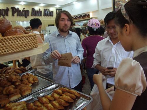 Bánh ngọt Pháp Anh Hòa Khai trương cơ sở 3 với nhiều chương trình Khuyến mại lớn! - 4