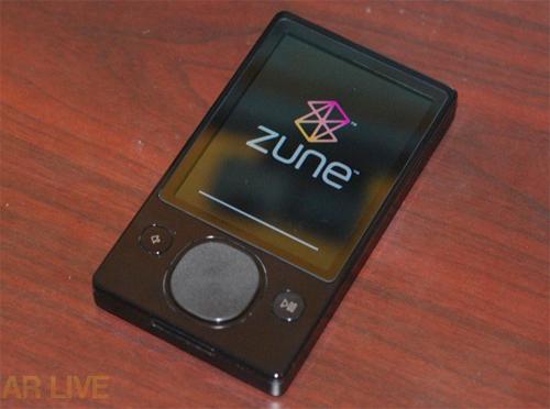 """""""Đập hộp"""" Zune 120 GB - 14"""