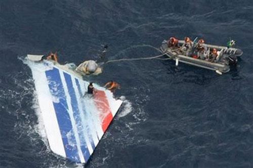Phát hiện xác của chiếc máy bay bị mất tích - 1