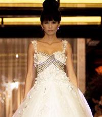 NTK Hoàng Hải tiếp tục show trình diễn áo cưới