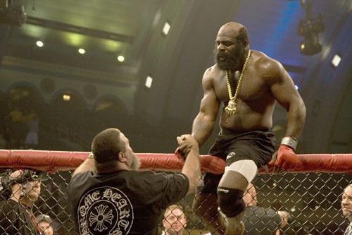 """Top 10 """"quái vật"""" trên võ đài UFC - 4"""