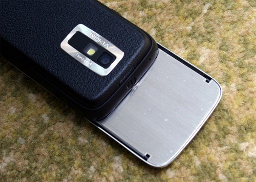"8208: Dế ""lạ"" của Nokia - 8"