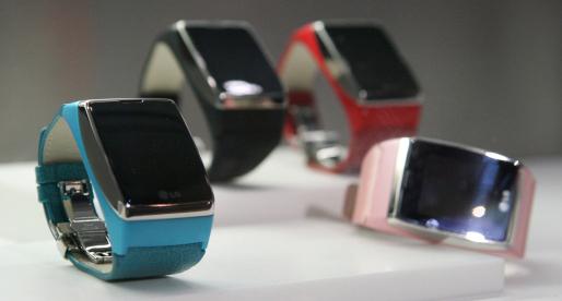 Đồng hồ điện thoại cảm ứng 3G đầu tiên trên thế giới - 7