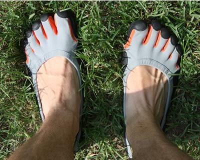 """Giày thể thao… """"năm ngón"""" - 2"""