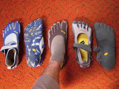 """Giày thể thao… """"năm ngón"""" - 1"""