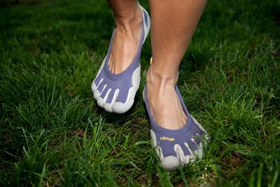 """Giày thể thao… """"năm ngón"""" - 4"""