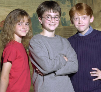 Emma Watson căng thẳng khi hôn Rupert Grint - 2
