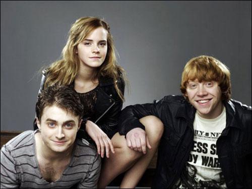 Emma Watson căng thẳng khi hôn Rupert Grint - 3