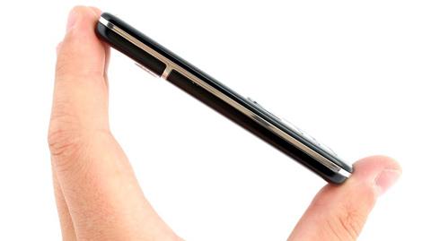 Mở hộp 'đàn em' của Nokia 6300 - 7