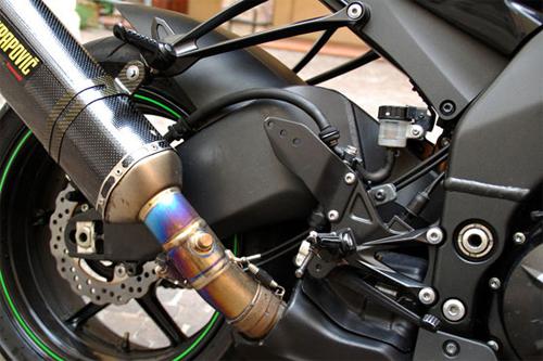 """Kawasaki ZX-10R 2009: Siêu xe tốc độ giá """"rẻ""""! - 5"""