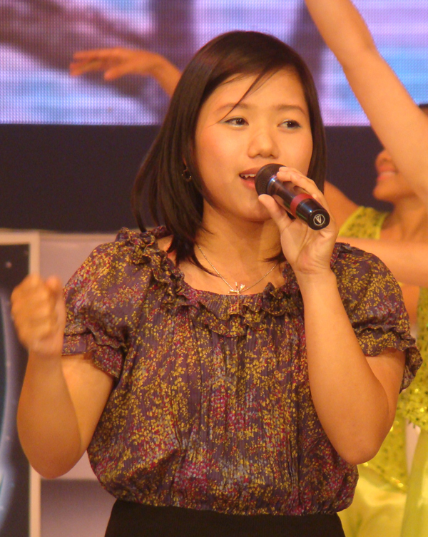 Bài hát Việt tháng 7: Đức Tuấn, Thùy Chi tái xuất - 2