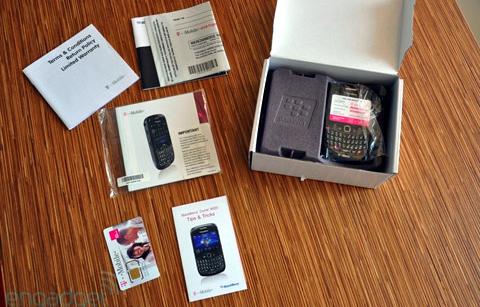 'Đập hộp' BlackBerry Curve mới nhất - 3