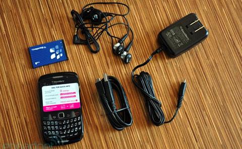 'Đập hộp' BlackBerry Curve mới nhất - 5