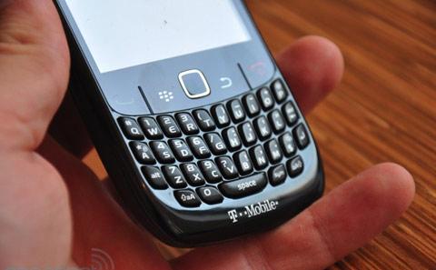 'Đập hộp' BlackBerry Curve mới nhất - 10
