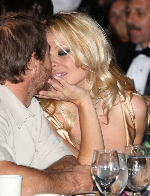 Pamela Anderson: Sex gi? cho tôi luôn g?i c?m, Phim, Pamela Anderson,