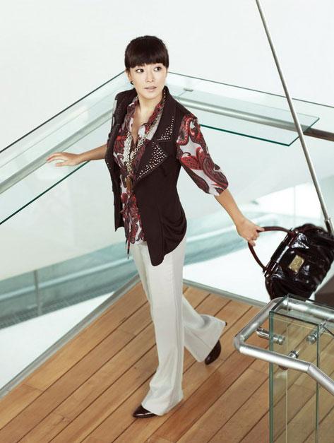 """Kim Hee Sun: """"Gái một con trông mòn con mắt"""" - 8"""