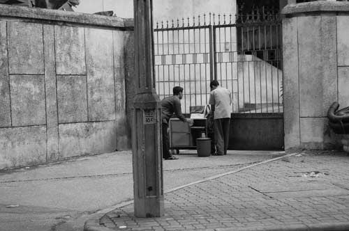"""Hé lộ bí ẩn """"Ngôi nhà ma"""" ở Kim Mã - 7"""