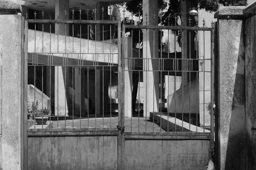 """Hé lộ bí ẩn """"Ngôi nhà ma"""" ở Kim Mã - 9"""