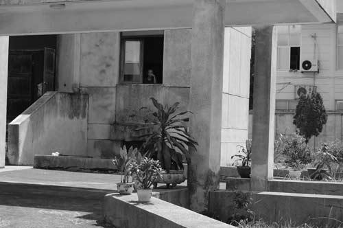 """Hé lộ bí ẩn """"Ngôi nhà ma"""" ở Kim Mã - 10"""