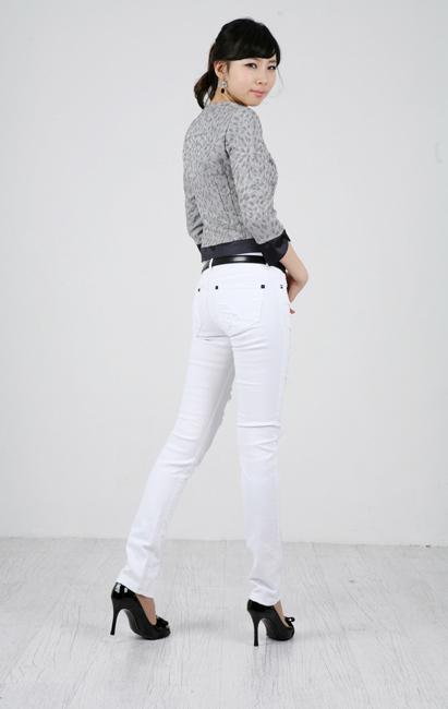 Tiết Thu: Jeans rách gối thịnh hành! - 15